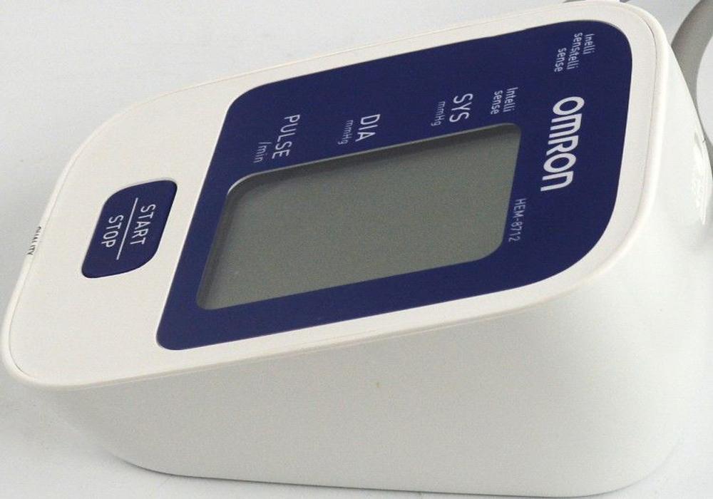 Máy đo huyết áp bắp tay tự động HEM-8712