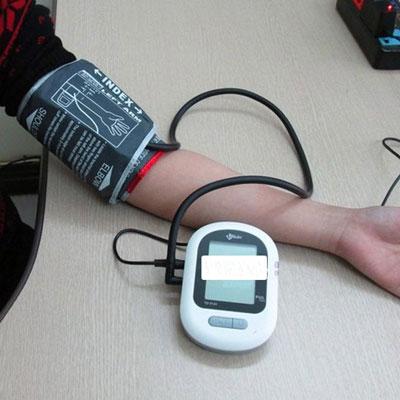 Máy đo huyết áp bắp tay điện tử tự động Uright TD3124