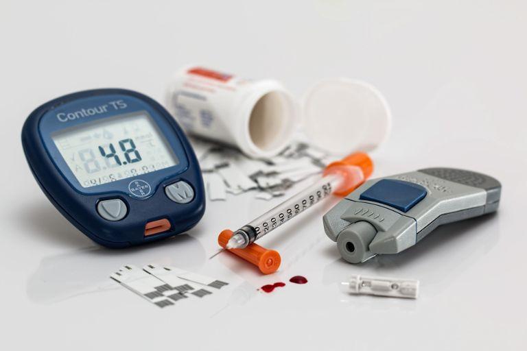 máy đo đường huyết Bayer Contour TS.