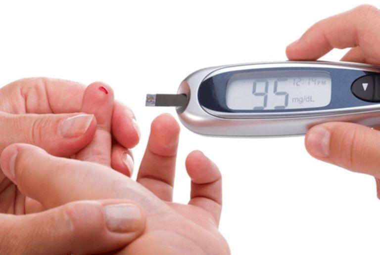 máy đo tiểu đường ở nhà