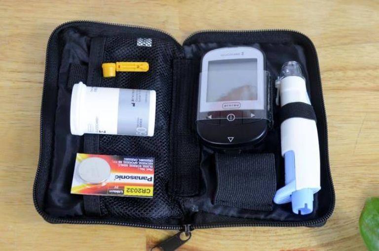 trọn bộ phụ kiện máy đo đường huyết Arkray GlucoCard