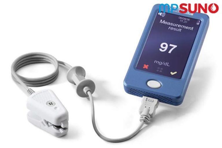 máy đo đường huyết không cần lấy máu GlucoTrack