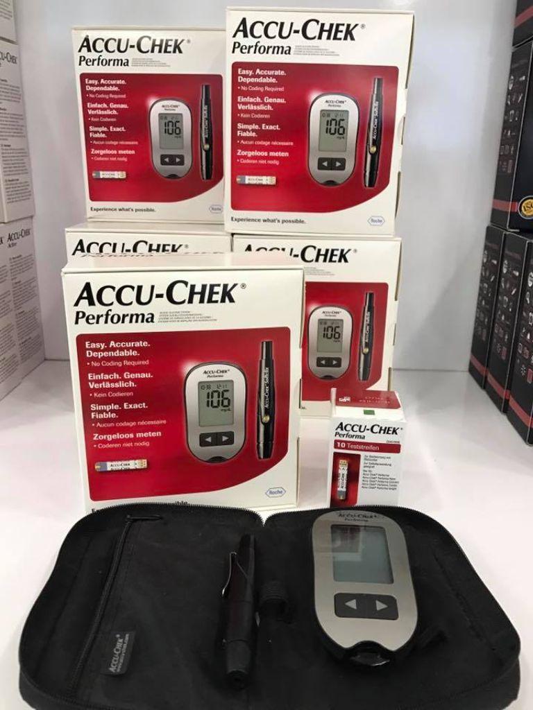 Máy đo đường huyết Accu Chek Performa